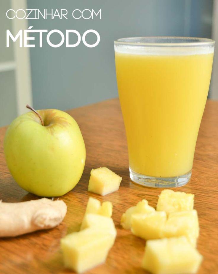 Sumo de maçã, abacaxi e gengibre http://cozinharcommetodo.blogspot.pt/2014/11/sumo-de-maca-abacaxi-e-gengibre.html