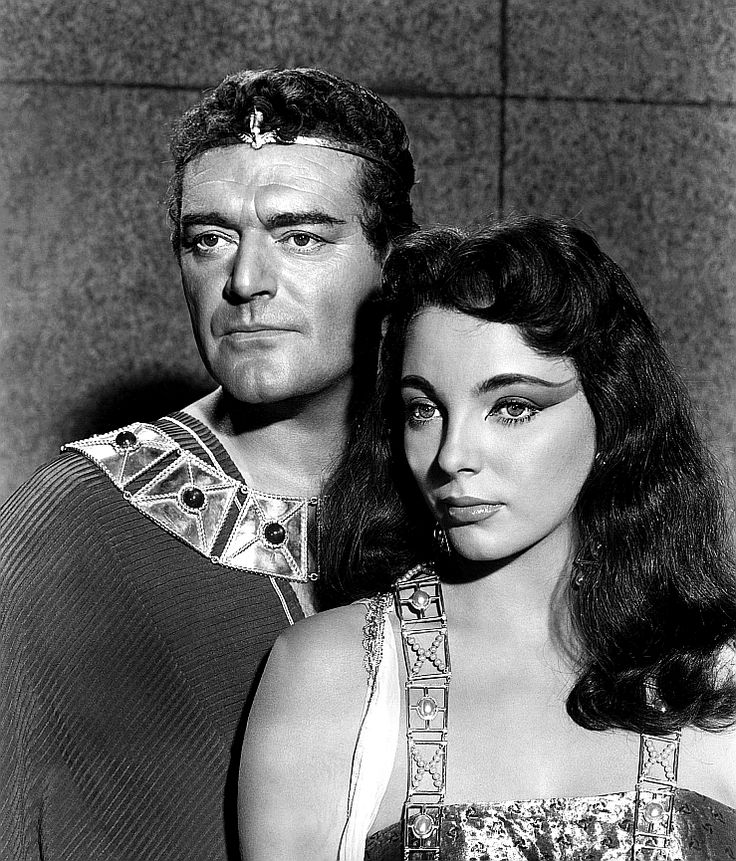 Joan Collins and Jack Hawkins in Land of the Pharaohs (1955)
