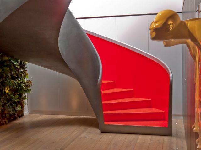 Majestueux, originaux ou luxueux, ces escaliers hors du commun deviennent le centre d'attention dans la maison. Venez rêver un peu... et découvrir des idées à copier dans votre intérieur.