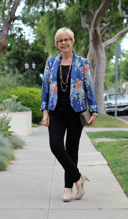 Zara floral jacket worn by Une Femme