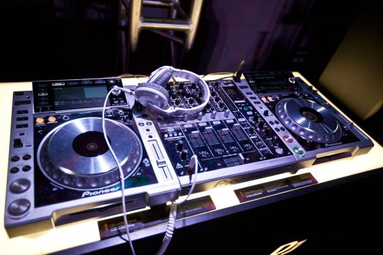 If you want to buy DJ Mixer Online at affordable price, so SoundGoodsInc is your last Stop.