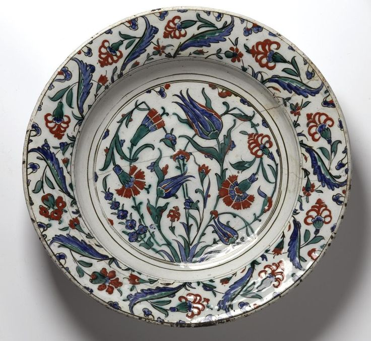 Dish ,Turkey, Iznik, Ottoman, late 10th century AH / late 16th century AD