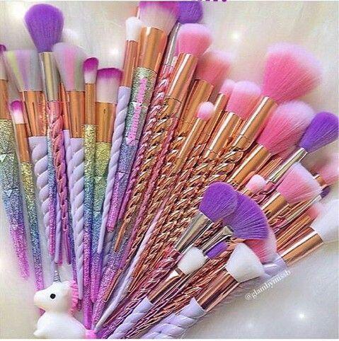 Unicorn boynuzlu makyaj fırçaları
