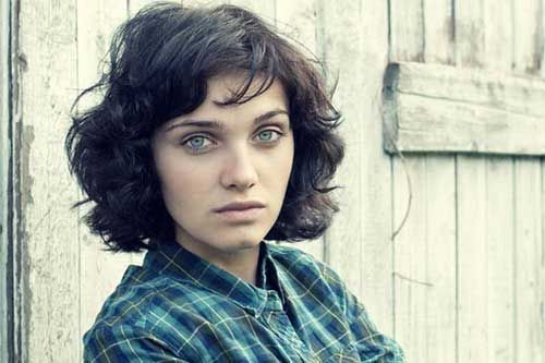 Short Haircuts For Wavy Thick Hair | http://www.short-haircut.com/short-haircuts-for-wavy-thick-hair.html