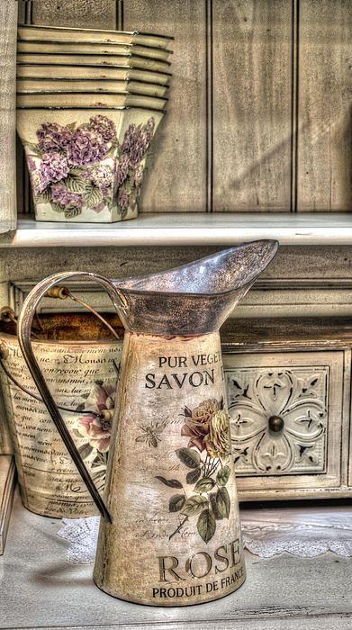 Shabby chick vase