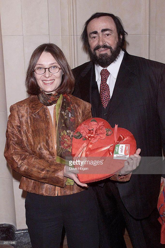 Italian Opera Singer Luciano Pavarotti And His Girlfriend Attend The Opera Singers Singer Opera