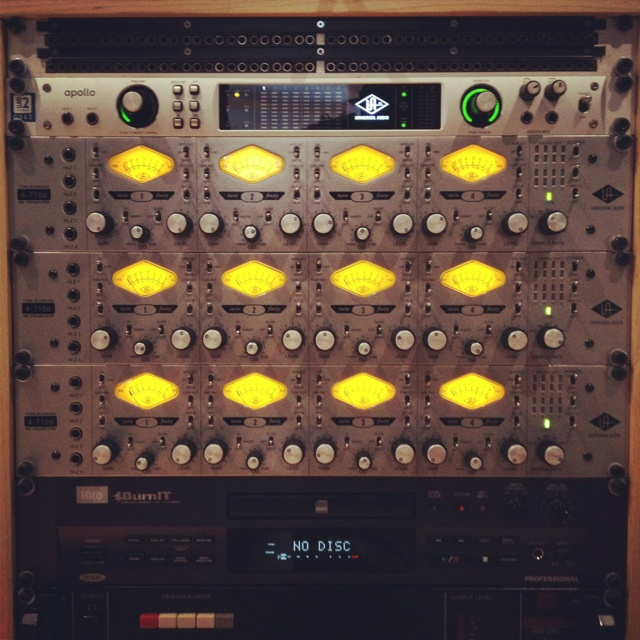 17 Best Ideas About Audio Rack On Pinterest Hifi Rack