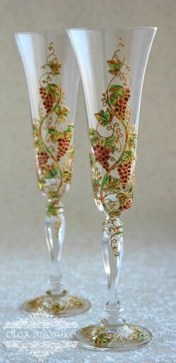 """Champagne glasses with """"Vine"""". Painting on glass"""