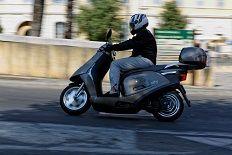 Le scooter électrique dans son environnement : l'Artelec 670 équivalent 125