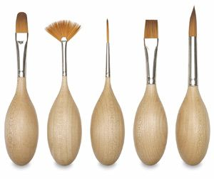 haven't tried them but these ergonomic egg-shape handle brushes look cool and appear to be a good quality synthetic bristle