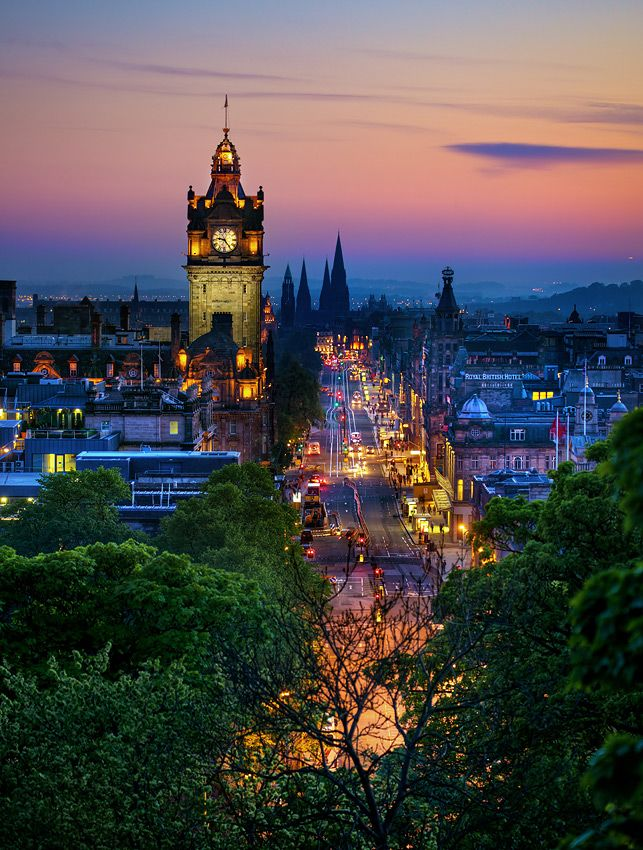 Magical Edinburgh at night.: Famous Castles, Edinburgh Scotland, Favorite Places, Beautiful Places, Edinburghscotland, Prince Street, Hotels Clocks, Clocks Towers, Balmor Hotels