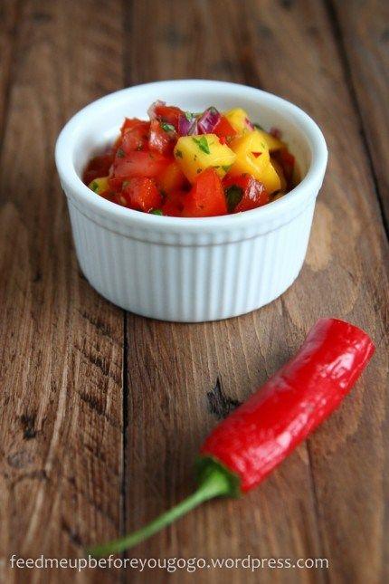 Vegetarischer Burger mit Mango-Tomaten-Koriander-Salsa-1