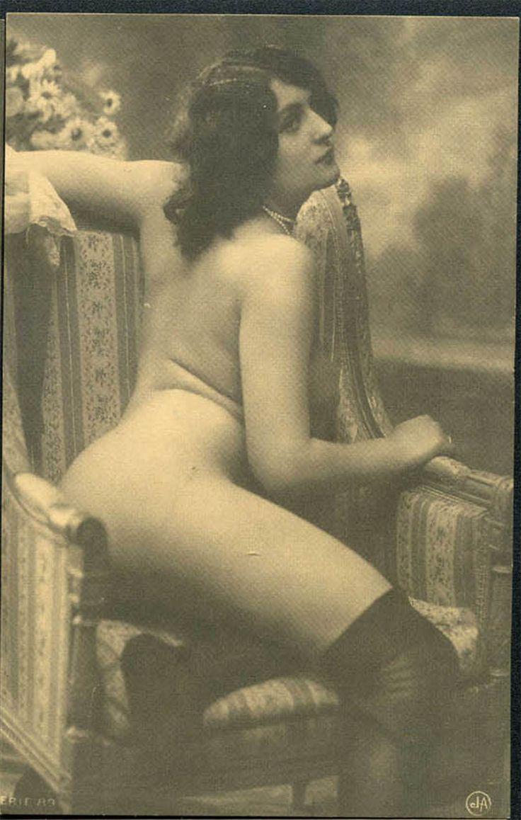 Vintage Nude Postcard 81