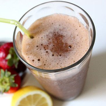 A Detoxing Treat: Strawberry Lemonade Smoothie - I just made it, DELICIOUS... but next time I'm making it with real coconut milk for a creamy texture, extra spinach, and celery.