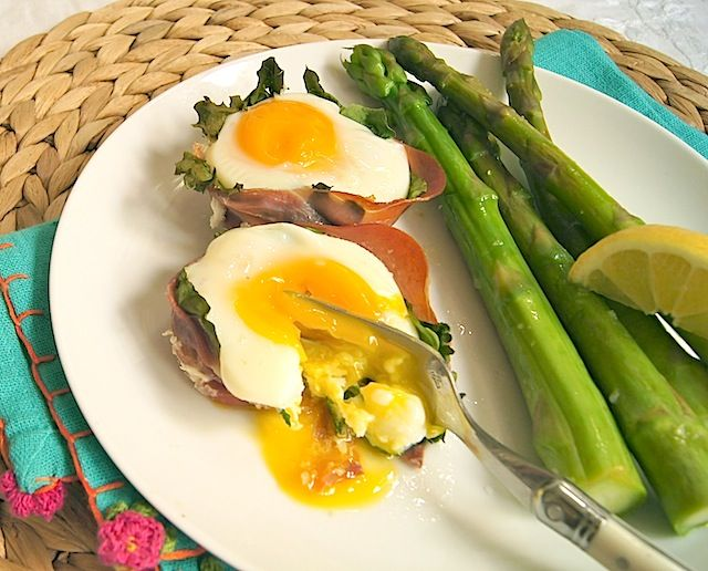 Easy Easter Brunch for a Crowd: Prosciutto & Spinach Egg Cups