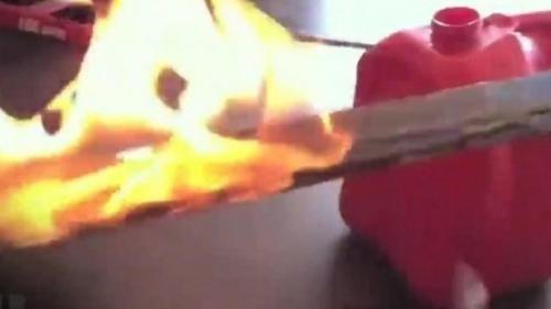 Lazio: #Fiumicino  #perseguita la vicina e le butta una molotov in giardino: a fuoco i capelli di una... (link: http://ift.tt/2cTp8FX )