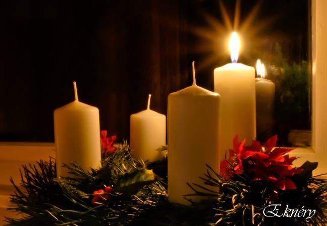 Adventi koszorú..    Te kicsi adventi koszorú ,  csak gyújts a szívbe fényt, mely szomorú.!  E szent időben te légy a fény,  s bűnösnek a megváltó remény !   Még csak egyetlenegy gyertyád ég,  hogy ne féljünk arra épp elég.!  Veled együtt nagy csodát várunk, amíg méltón a puha havon járunk.!    10:50 2014.12.04. írta : Eknéry