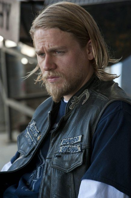 oh how i love me some charlie hunnam.