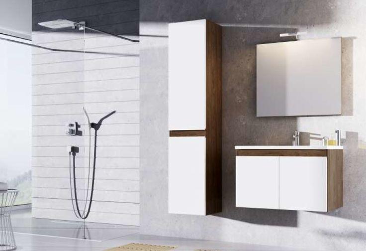 Surowa, minimalistyczna łazienka, z betonowymi ścianami – styl industrialny