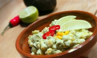 Zuid Amerikaanse maïs-avocado salade