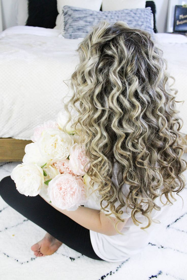 Natural Looking Voluminous Tight Curls Tutorial