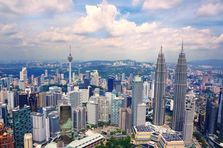 72 Hour Kuala Lumpur Itinerary https://www.rudderless.ca/72-hour-kuala-lumpur-itinerary/?utm_campaign=crowdfire&utm_content=crowdfire&utm_medium=social&utm_source=pinterest