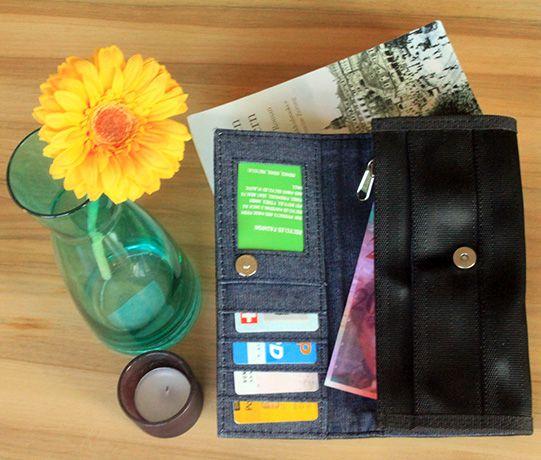 Recycled Seatbelt Wallet (open)