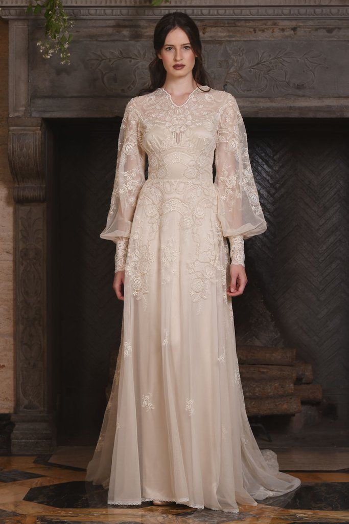 Claire Pettibone Chrysanthemum Dress Vintage Wedding Gown With Bi Sleeves And Emobridered Lace Overlay