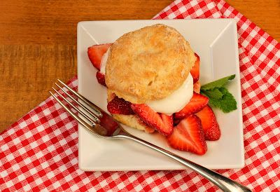 That skinny chick can bake!!!: Strawberry Shortcake...#SundaySupper with Cristina Ferrare @cristinacooks: Shortcake Sundaysupper, Food Ideas, Skinny Chick, Bake, Rando Desserts, Strawberries, Dessert Ideas, Strawberry Shortcake, Healthy Desserts