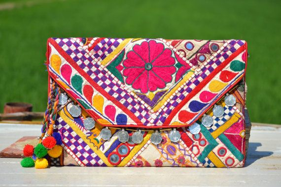 BANJARA CLUTCH INDIAN Bag  Ethnic Bag. Large Bag por MISIGABRIELLA