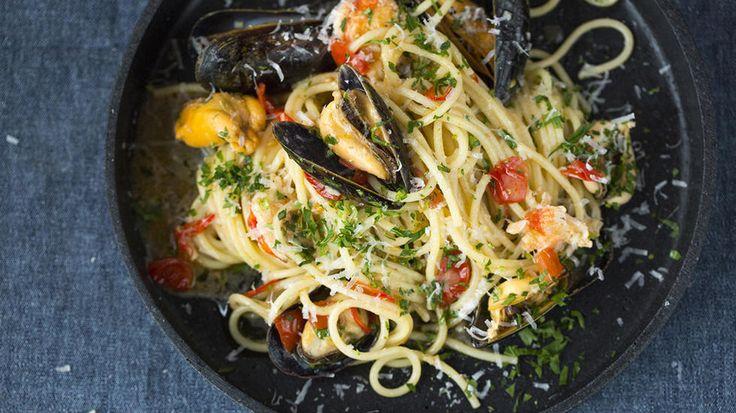 Sexy spaghetti med blåskjell, kongekrabbe, tomat og chili