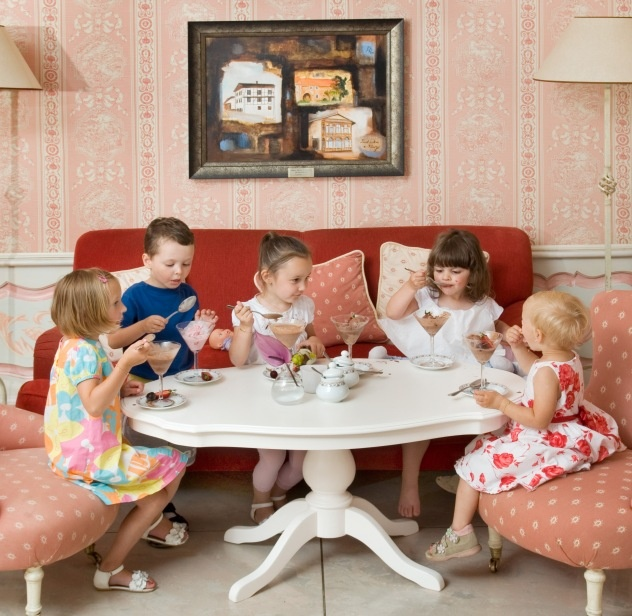 Children in Tea-Room at Dwór Oliwski Restaurant # Gdansk # Poland