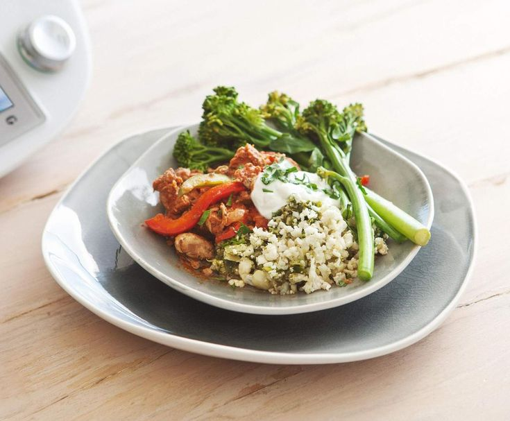 Recipe Paprika pork with cauliflower pilaf by Tim Robards - Recipe of category Main dishes - meat