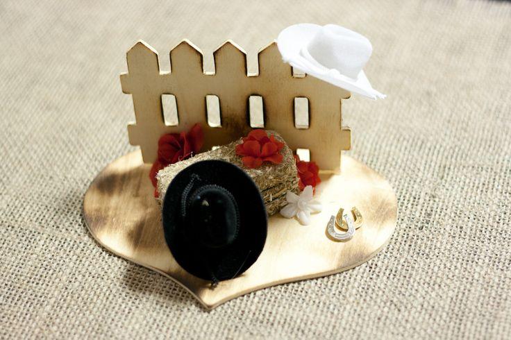 af9b90eac697482e1c0e2383e29bb828--wooden-wedding-centerpieces-western-centerpieces Western Wedding Centerpieces