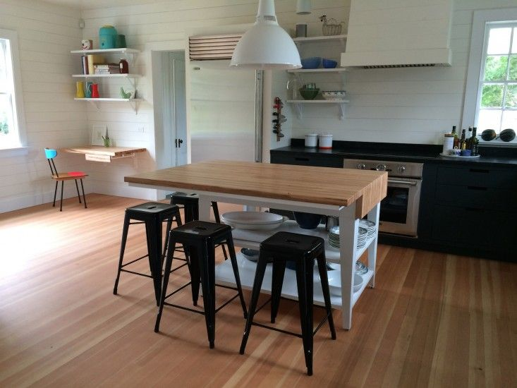Small and Efficient Kitchen Offices