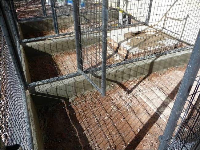 17 best ideas about dog kennel flooring on pinterest dog for Dog kennel floor plans