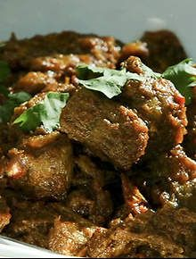 Madhur Jaffrey's Kashmiri-style rich lamb curry #recipe