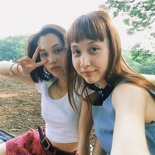 Kiko Mizuhara & sister.