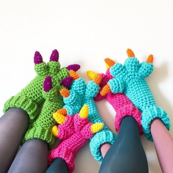 Crochet some claws for your little monsters with this downloadable pattern from KnitsForLife. #DIY
