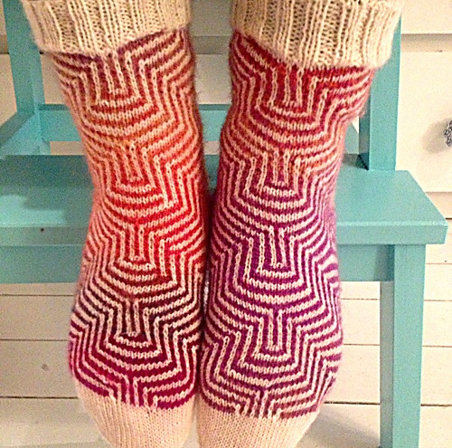 Free - Mosaic knitting technique for these socks  Ravelry: Project Gallery for Pucker pattern by General Hogbuffer