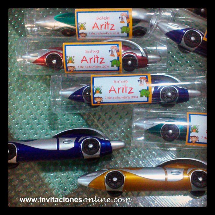 bolígrafos en forma de coche en estuche transparente, detalles de bautizo, detalls bateig,