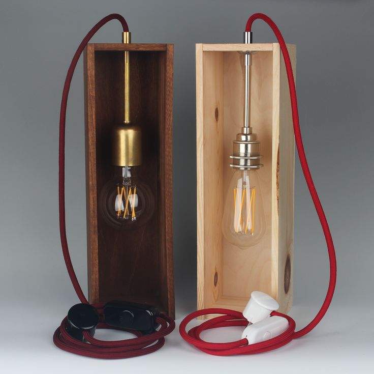 wir zeigen dir wie man eine weinkisten lampe selber bauen. Black Bedroom Furniture Sets. Home Design Ideas