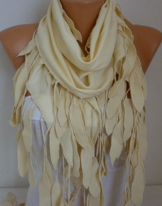 how to wear a cowl scarf