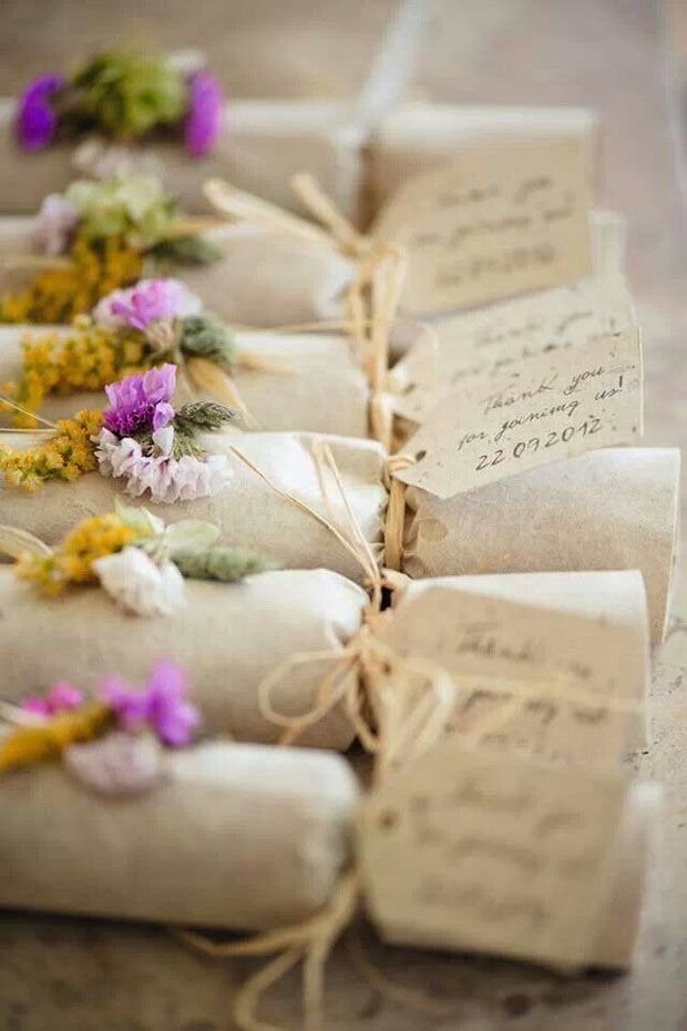 wedding favour wrapping ides - pretty rustic floral crackers