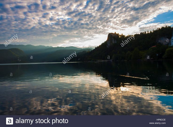 Download this stock image: Sunset on the lake of Bled (Slovenia) - HP6CCE from Alamy's library of millions of high resolution stock photos, illustrations and vectors.