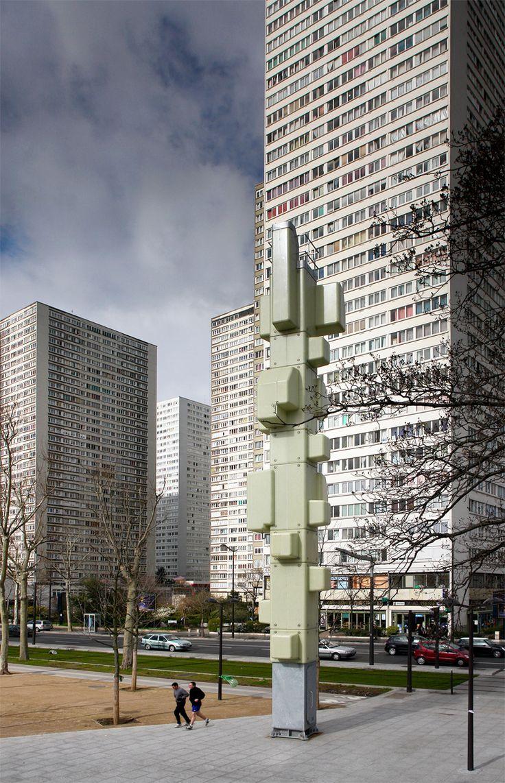 """Explorar los límites  """"Ya no se trata solo de practicar arquitectura construyendo edificios. La arquitectura es un compromiso que tiene que ver con un punto de vista político"""""""