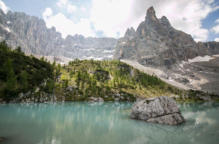 Lago di Sorapis. #cortinadampezzo #dolomiti #dolomites #cadore #canon70d #canon1018 #lagodimisurina #misurina #naturelovers #nature_perfection