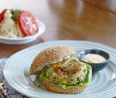 Recette : hamburgers aux crevettes et au maïs frais