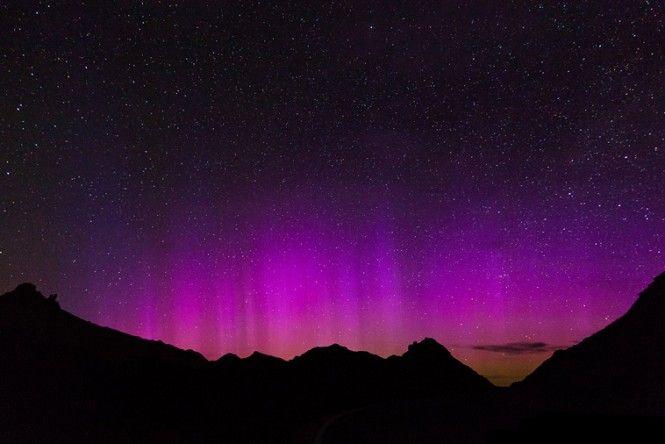 #Amazing and #beautiful- A Nasa divulgou uma fotografia da aurora boreal que atinge os EUA desde sábado (16).