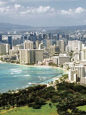 Five best Hawaiian destination wedding spots!